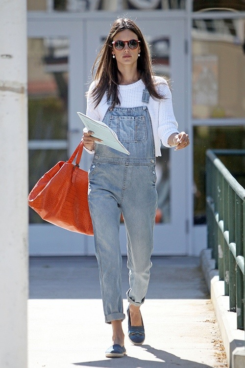**EXCLUSIVE** Alessandra Ambrosio rocks a pair of gray overalls and white sweater as she heads out of a Los Angeles school