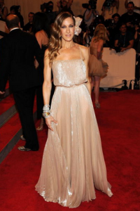 Sarah Jessica Parker wearing Halston Heritage to the Met Gala Red Carpet