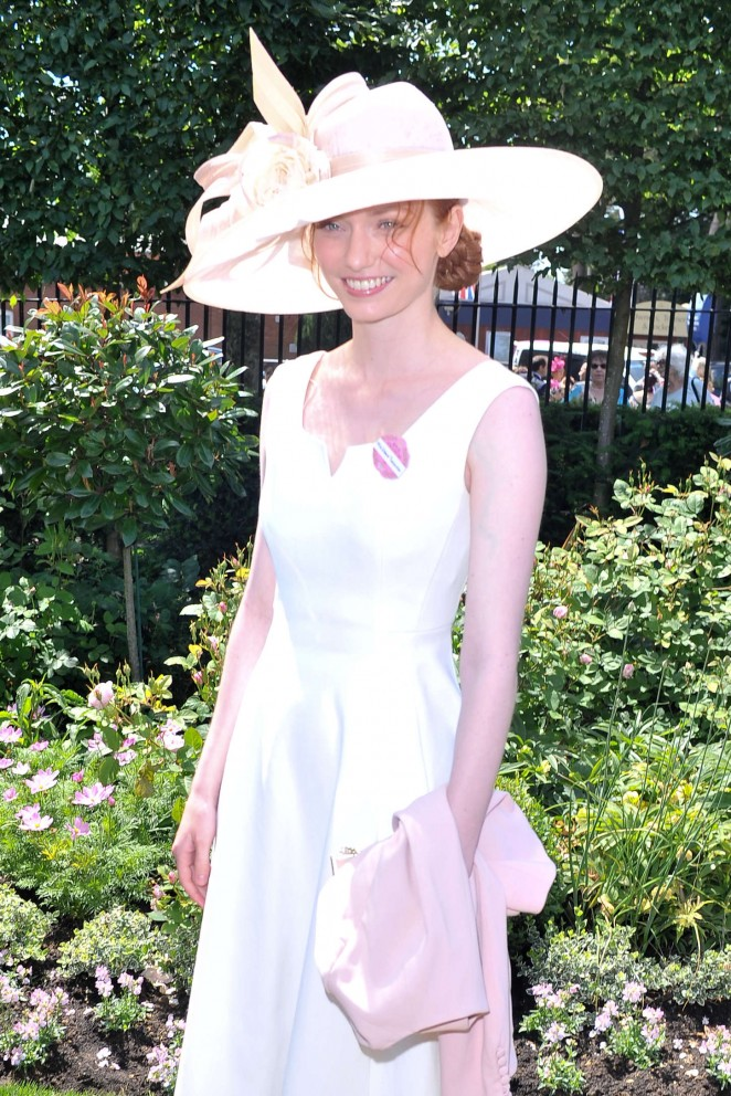 Eleanor-Tomlinson--Royal-Ascot-2015-Ladies-Day--04-662x992