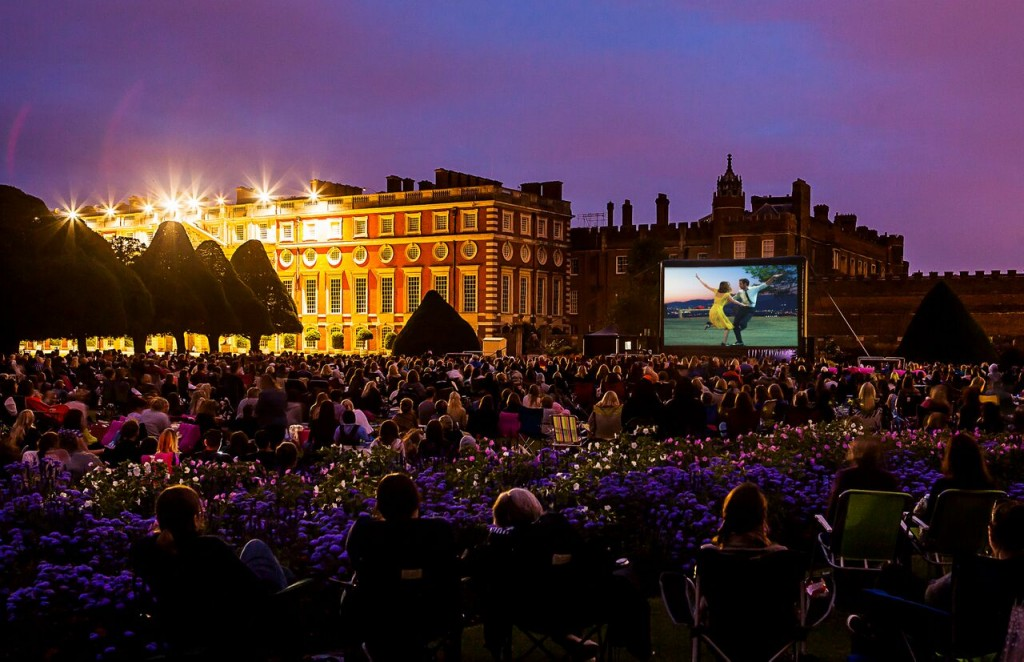 La La Land © 2017 Summit Entertainment. Luna Cinema at Hampton Court Palace.