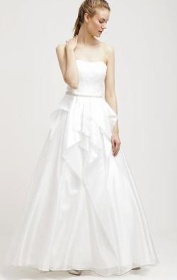 Unique_Cream_Wedding_gown1_hire2