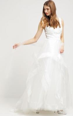 Unique_Cream_Wedding_gown_hire2