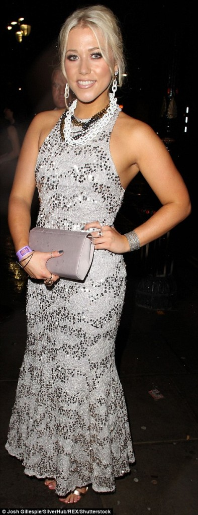 Amelia Lily wearing Girl Meets Dress - Sequined Fishtail 3